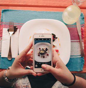 Zmysły – jak nimi pokierować, by Twoja restauracja naprawdę zachwycała gości?